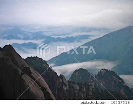 黃山,中國著名的山 19557518