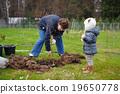 child, farm, gardening 19650778