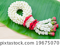Garland fresh flower with green leaf. 19675070