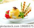 Ice cream dessert 19689375