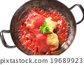 Pan fried fish fillets with tomato sauce 19689923