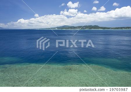 Overlooking the main island peninsula from Cape Meijada 19703987