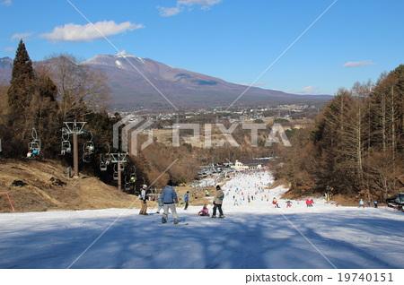 從Saku滑雪花園parada的Largo路線的上部看到的淺間山 19740151