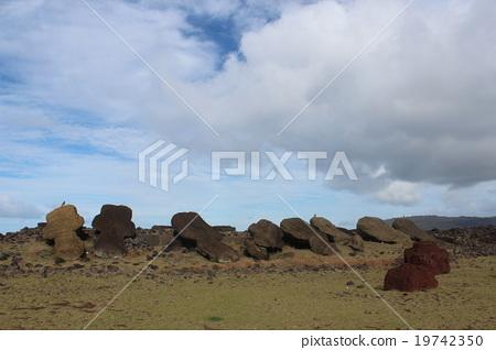 Moai 19742350