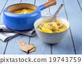 Fishsoup in Pot 19743759