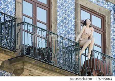 EUROPE PORTUGAL PORTO RIBEIRA NACKET WOMEN PUPPET 19745003