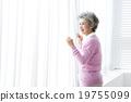 祖母 微笑 笑臉 19755099