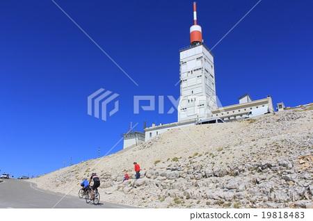 Mon van Thu山和骑自行车者普罗旺斯法国 19818483
