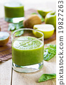 Spinach with Apple and Kiwi smoothie 19827263