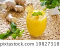Mango with ginger smoothiie 19827318