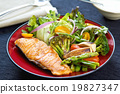 Salmon steak 19827347