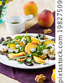 Peach with Blue cheese and Rocket salad 19827509