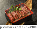 두껍게 썬 브랜드 와규 스테이크 덮밥 High-quality Japanese beef steak 19854908