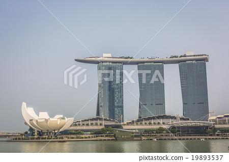 Singapore reflection of buildings Marina bay 19893537