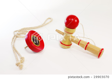 Kendama and the top 19903070