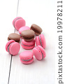 traditional french macarons 19978211