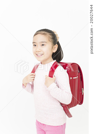 Girls carrying the school bags Elementary school girls Girls school bags elementary school students 20027644