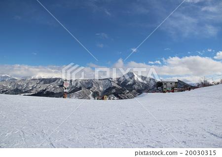 從石屋Maruyama滑雪勝地看到的富士山 20030315
