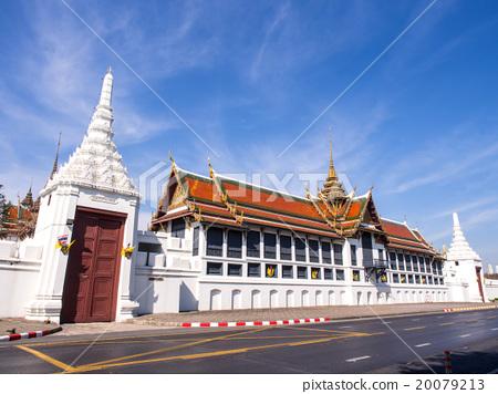 Throne hall in Grand Royal Palace in Bangkok 20079213