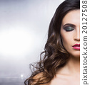 Beauty portrait of a young and gorgeous woman 20127508