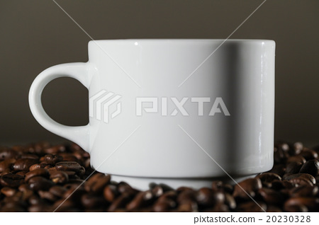 White Cup in Coffee Beans 20230328