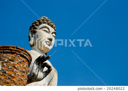Buddha statue with blus sky 20248022