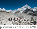 Trekkers hiking in the Everest region 20293294