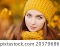 Autumn girl 20379686