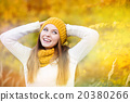 Autumn girl 20380266