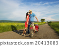 Couple on motorbike 20413083
