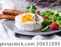 Goat cheese with honey and raspberries 20431095