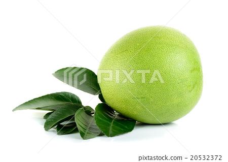 Fresh pomelo isolated on the white background 20532372