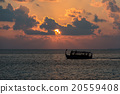golden sunset in maldives with donhi 20559408