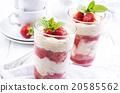 strawberry dessert 20585562