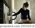 집안일을하는 여성 20593016