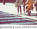 人行橫道 十字架 交叉 20595140