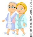 老年的 浴袍 夫妇 20607901