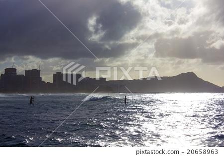 Hawaiian sea and diamond head and surfing 20658963
