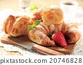 Croissants 20746828