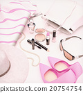 Set, of, cosmetics, and, various, accessories 20754754