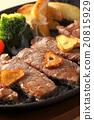 牛排 鐵板燒(在熱板上烤菜) 葷菜 20815929