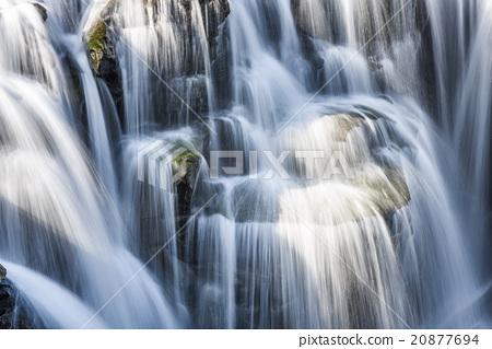 壯闊的瀑布 20877694