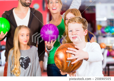 Family at Bowling Center 20890505