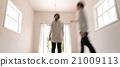 男性 異性夫婦 房間 21009113