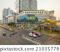 Traffic crossroads in Bangkok 21035776