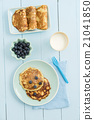 Pancakes with blueberries 21041850