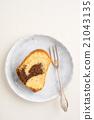 Slice of marble cake 21043135