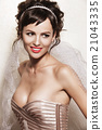 Closeup portrait of brunette with elegant makeup 21043335