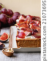 Tart with Grapes and Figs 21073695