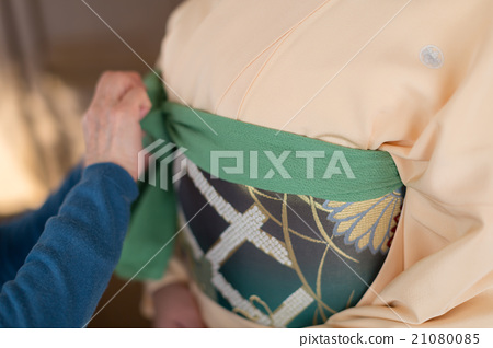 How to dress in kimono 21080085